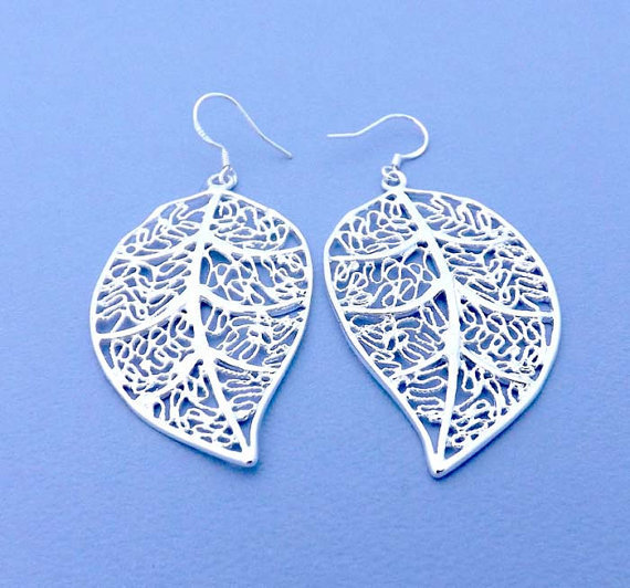 Classic Leaf Dangle Earrings - 925 sterling silver earhooks-Simple everyday delicate jewelry- vintage style