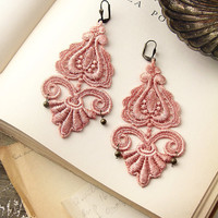 lace earrings -LEILA- nude pink