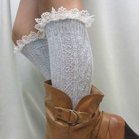 BKS10 Delicate lace edge knee socks silver