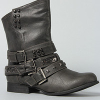 The Amplifying Boot in Black