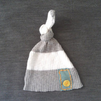 Fall Boy Clothes.  0-2M. Upcycled Baby Knot HAT. Gray / white w Hand Stitching. Lilhoot