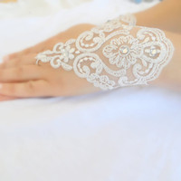 bridal Gloves, ivory lace gloves, collar,Sparkling Stones , Fingerless Gloves, cuff wedding bride, bridal gloves, Ivory,