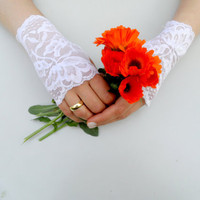 Wedding Gloves, , Italian lace wedding accessory, fingerless gloves, bridal accessory, Easter, spring,2012,floral