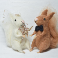 Wedding Squirrels - needle felted ornament animal, felting dreams by johana molina