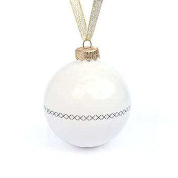 Christmas Tree Decoration With Crossed Line