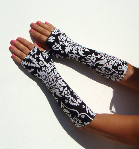 Victorian black and white damask  print fingerless  gloves  -  Arm Warmers,  Yoga, Gothic, Dark, rock, Cotton, Yoga, steampunk, flower