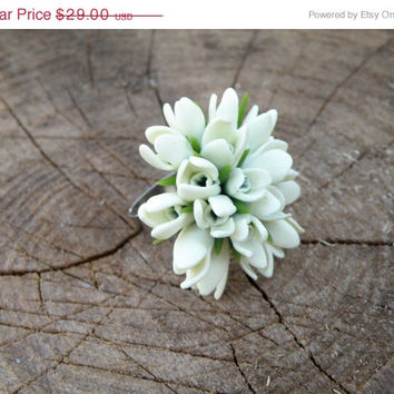 SALE FREE SHIPPING Snowdrops ring, White wedding, Flower ring, Miniature flowers adjustable ring. Spring gift idea for her.