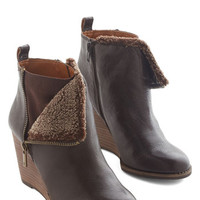 Lucky Luxe Headed Home Bootie
