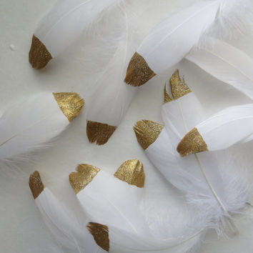 Gold Dipped White Feathers Glitter tip tipped Hand Painted 4-6 inch home Holiday wedding table top decor invitations announcements bridal