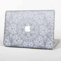The Intricate White and Gray Vector Pattern Skin Set for the Apple MacBook Pro 15""