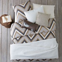 Layered Bed Looks - Neutral Zigzag
