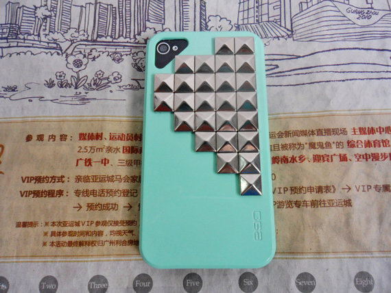 iPhone 4 4S hard Case Cover with Silver pyramid stud for iPhone 4 Case, iPhone 4S Case, iPhone 4 GS Case,iPhone hand case cover  SJK-178