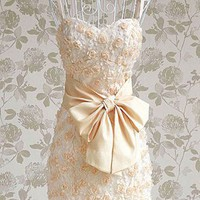 Romantic Roses Sweet Heart Ivory Cocktail Dress. Cream Evening Dress