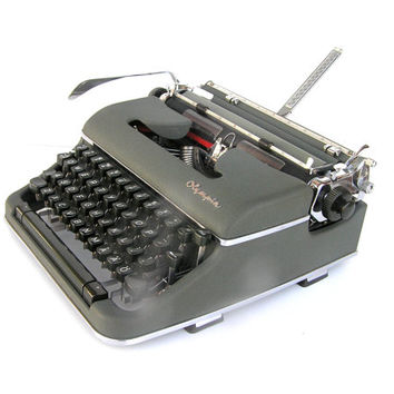 Working typewriter Olympia SM4 De Luxe 1958 excellent cosmetic and working condition retro writer…