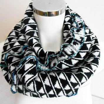 Men's Infinity Scarf, Black and White Men's Scarves, Men's circle scarf,…