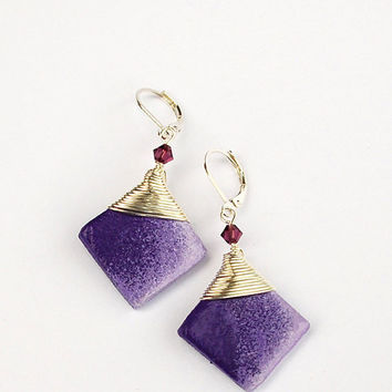 Purple ombre earrings. Elegant purple dangle earrings. Purple earrings. Wire wrap earrings. Leverback earrings. Handmade clay beads earring.