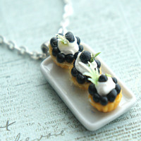 blueberry cupcakes necklace