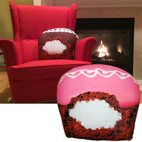 CREAM-FILLED CUPCAKE PILLOW