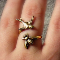 birds and the bees ring, bird ring, bee ring, bird accessories, bee jewelry, bee accessories, spring fashion, vintage style