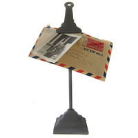 TABLETOP CLIP DISPLAY STAND