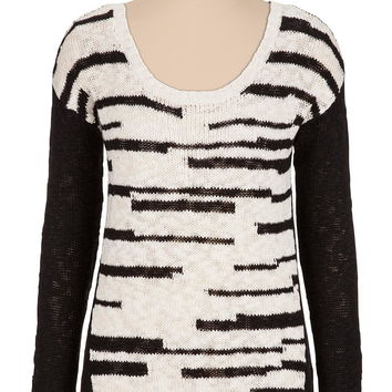 contrast sleeve scoop neck sweater
