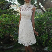 1960s-Style Ivory Lace Wedding Dress | TrendsetterVintage Trendsetter Vintage