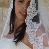 Mantilla Veil Beaded Lace SILVER thread Ivory by VanyaBvlgari