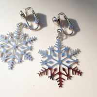 Holiday Sale Avon Snow Flake Flakes Silver Earrings Vintage xmas jewelry