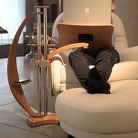 LOUNGE-WOOD HOT ? A Notebook Stand | materialicious