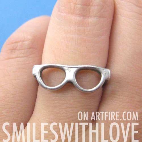 Glasses Shades Spectacles Ring in Silver - Sizes 4 and 5