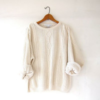 vintage natural white sweater. cable knit sweater. boyfriend sweater. slouchy knit pullover. preppy minimalist.