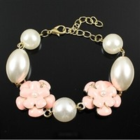 Pink roses bracelet with pearl beads