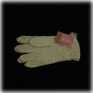 Vintage Hand Crocheted Grandoe Gloves