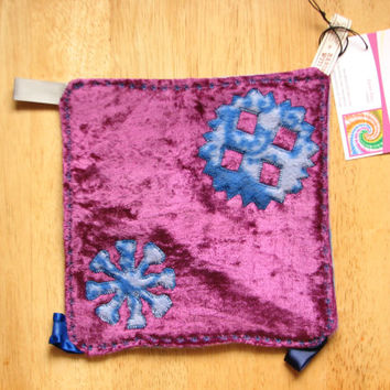 Crinkle Taggie Sensory Toy Baby Blanket ~ SECONDS ~ OoaK ~ Snowflakes ~ Fleece ~ Velvet ~ Purple ~ Applique
