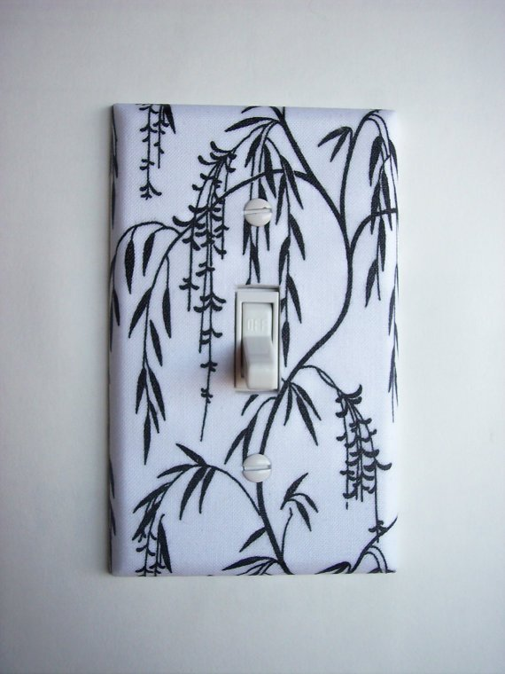 Black & White Floral Branches Single Toggle Switchplate
