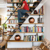 Cool Staircase Design Idea That Combine It With A Library | Shelterness
