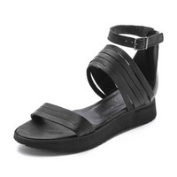 LD Tuttle The Wander Sandals
