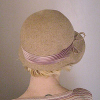 SALE vintage 1940s Oatmeal wool cloche hat by LivingThreadsVintage