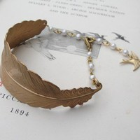 Feather bracelet with vintage pearls by Zara Taylor - True Birds Jewellery