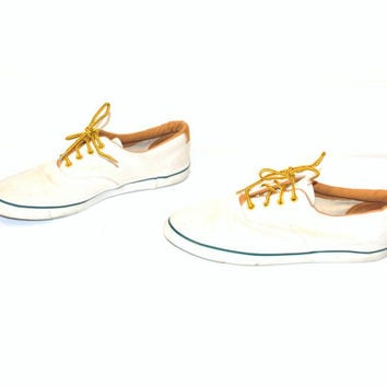 size 8 CANVAS tennis shoes / vintage 80s POINTY minimalist preppy NEUTRAL tan flats sneakers