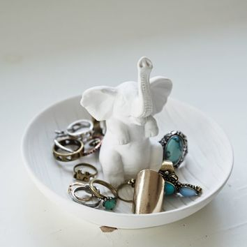 Small Curiosities Jumbo Ring Holder  Womens Scarves  White  One
