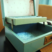 vintage turquoise blue jewelry box with key