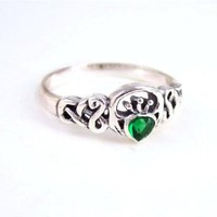 Amazon.com: Sterling Silver Green Crystal Claddagh Celtic Ring, sz 6: Clothing