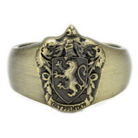 Harry Potter and the Deathly Hallows Gryffindor Crest Sculpted Ring: WBshop.com - The Official Online Store of Warner Bros. Studios