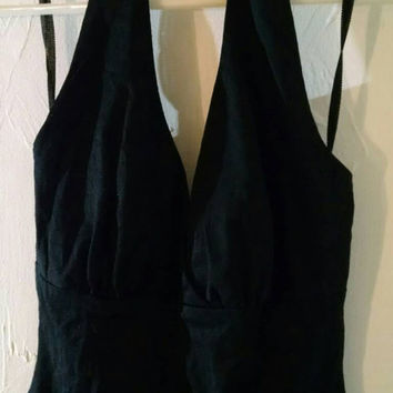 Express WORLD Brand Black Cropped Halter Top 90s Vintage Fashion Women's Sexy Halters