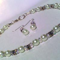 White Pearl, Iridescent Glass w/ Silver Tone Accent Choker & Earrings