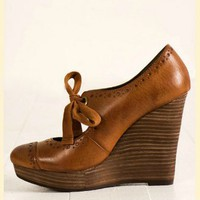 Recess Wedge