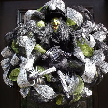 Deluxe Deco Mesh Wreath, Witch Wreath, Halloween Wreaths, Halloween Witch Wreath, Party Decoration