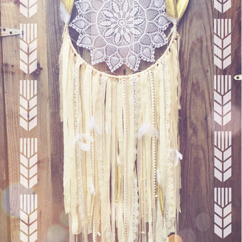 Pale Pink, Gold, Cream, & Off White Boho Gypsy Nursery Shabby Chic Hand Beaded Lace Gold Dipped Glitter Feather Crochet Doily Dreamcatcher