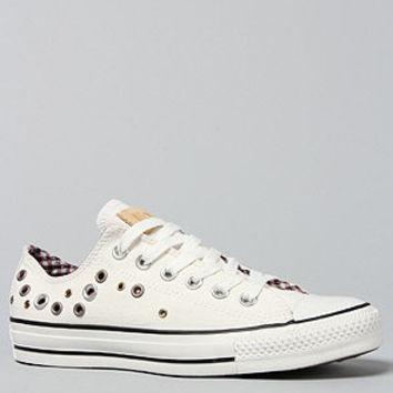 The Hardware Bundle Chuck Taylor All Star Eyelet Cuff Lo Sneaker in White